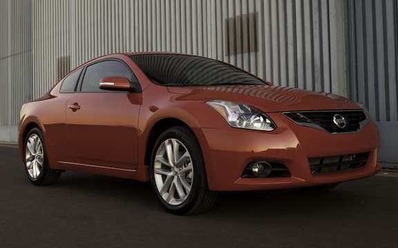 Nissan Altima 2010 Interior and exterior refinements picture #3