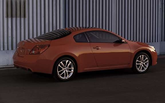 Nissan Altima 2010 Interior and exterior refinements picture #4