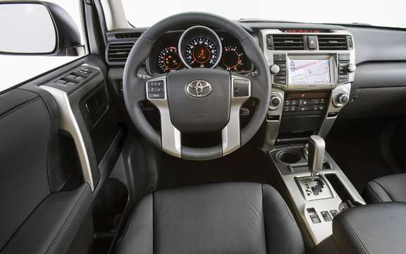 Toyota 4RUNNER 2010: always faithful to the aspirations of its clientele picture #4