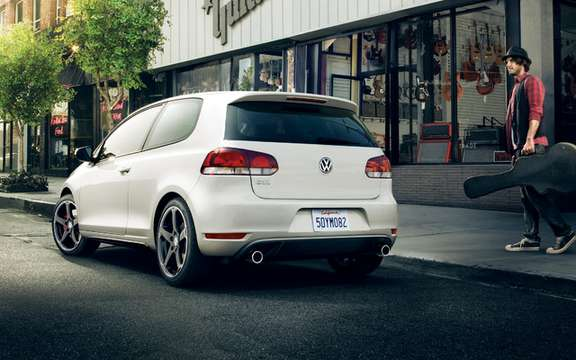 2010 Volkswagen Golf: Canadian prices are ads picture #6