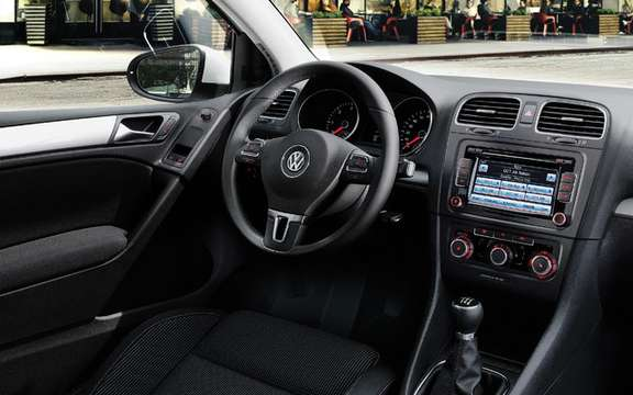2010 Volkswagen Golf: Canadian prices are ads picture #7