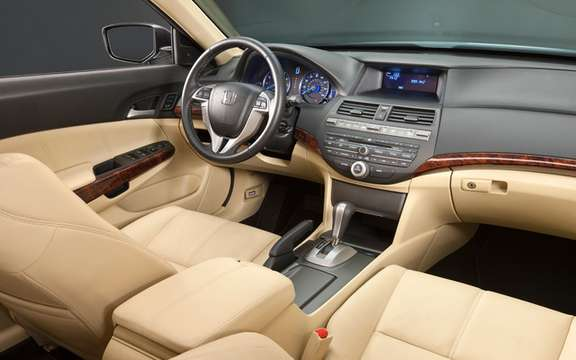The interior of the 2010 Honda Accord Crosstour: that innovation picture #2