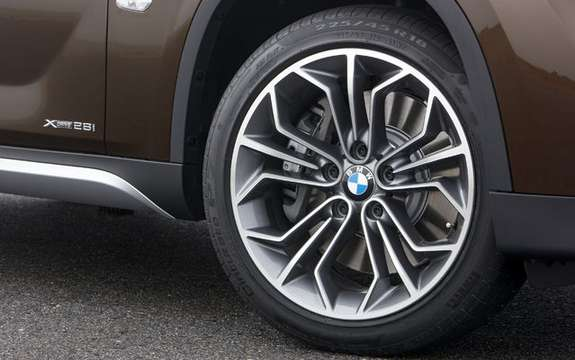 BMW X1 2010: Premiere photo gallery authorized picture #7