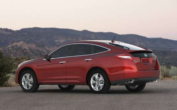The interior of the 2010 Honda Accord Crosstour: that innovation picture #8