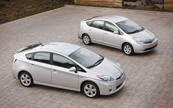 The 2010 Toyota Prius made its entry into Canadian soil