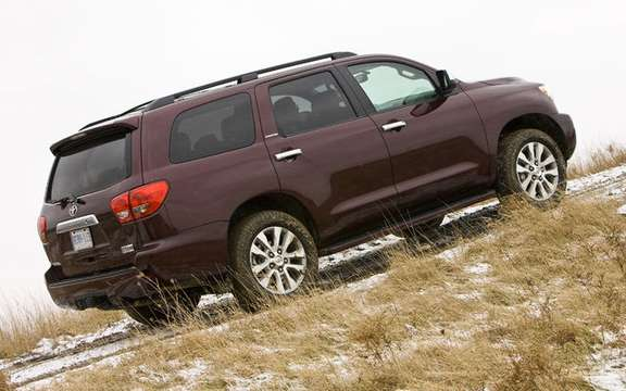 Toyota Sequoia 2010 with a more powerful engine and thrifty picture #2