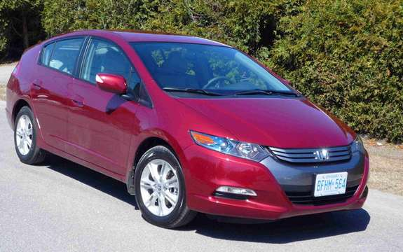 2010 Honda Insight, a starting price ad $ 23,900 picture #2