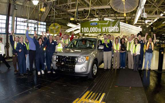 Ford presented its 100 000th hybrid vehicle