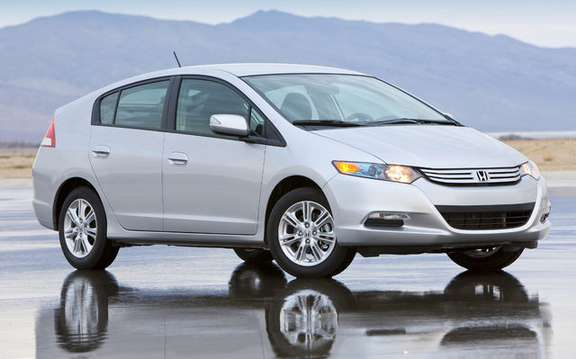 2010 Honda Insight, a starting price ad $ 23,900 picture #4