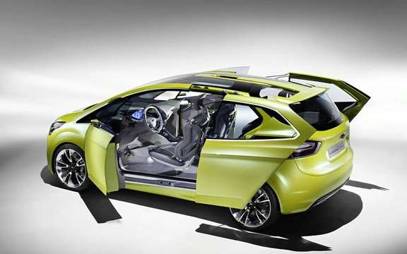 Ford Iosis Max Concept, never two without three picture #5