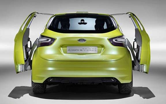 Ford Iosis Max Concept, never two without three picture #6