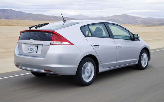 2010 Honda Insight, a starting price ad $ 23,900 picture #8