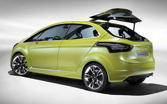 Ford Iosis Max Concept, never two without three picture #7