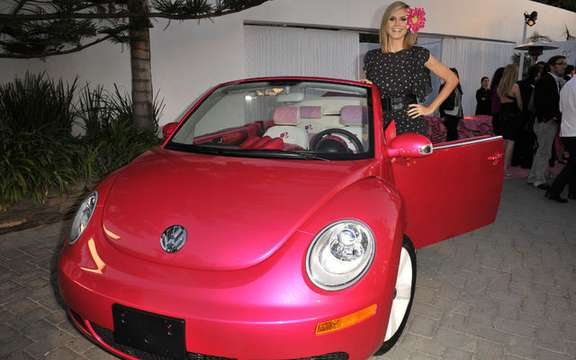 VW New Beetle cabrio pink, destiny has Barbie