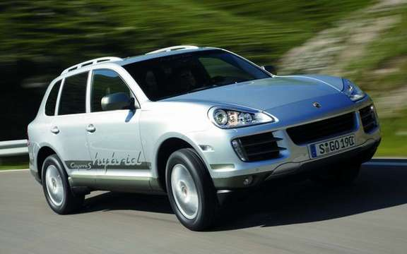 Porsche Cayenne S Hybrid, economic and mostly clean