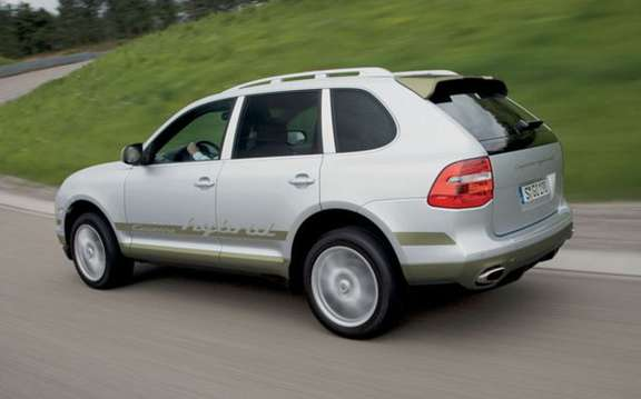 Porsche Cayenne S Hybrid, economic and mostly clean picture #2