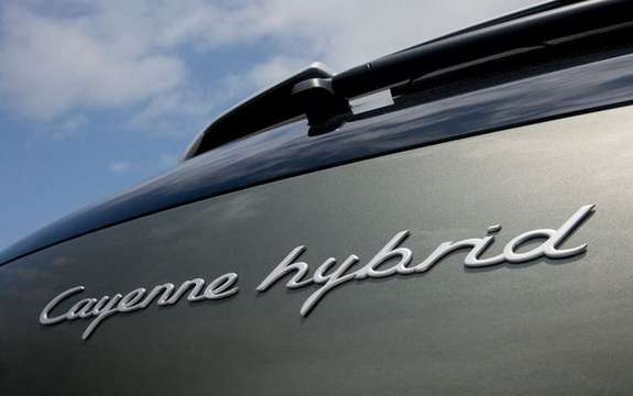 Porsche Cayenne S Hybrid, economic and mostly clean picture #4