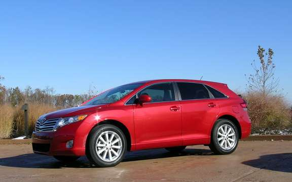 Toyota Venza 2009, the versatile crossover vehicle picture #3
