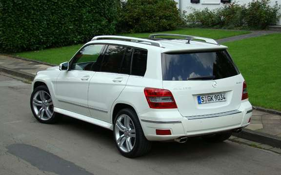 Mercedes-Benz GLK350 4MATIC 2010, the price unveiled picture #2