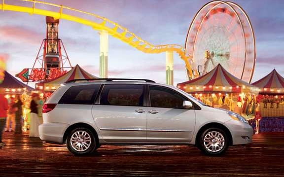 2009 Toyota Sienna, more value, and quality, a more affordable picture #3