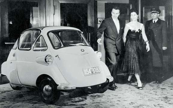 Return of the BMW Isetta, which suddenly smoking! picture #2