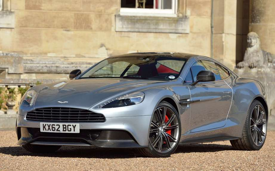 Aston Martin will launch a new DB9 2016