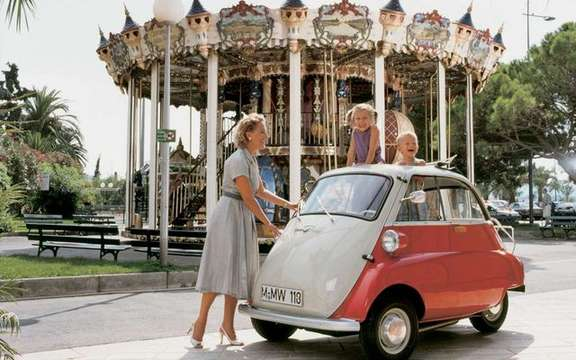 Return of the BMW Isetta, which suddenly smoking! picture #3