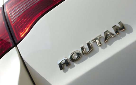 Volkswagen unveils prices for 2009 Routan picture #4