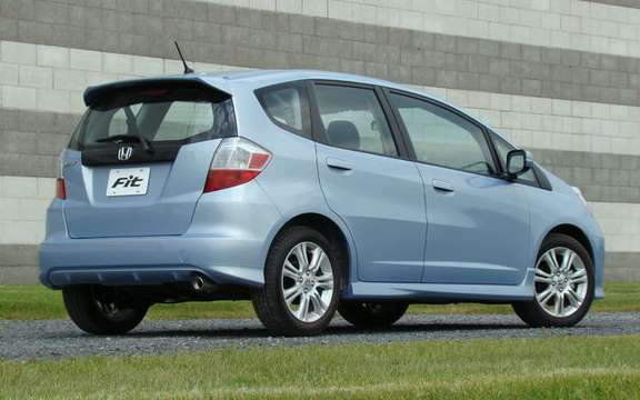 New 2009 Honda Fit at the same price in 2008! picture #3
