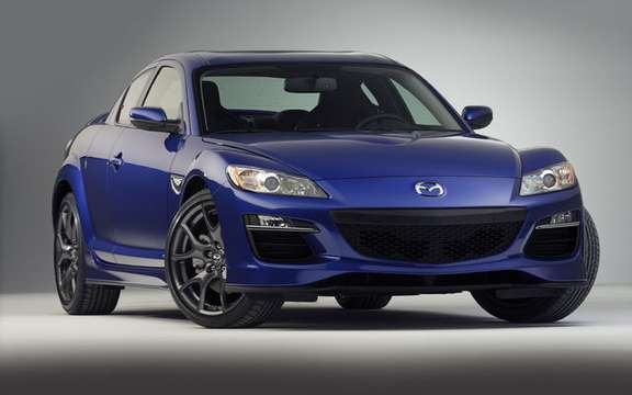 The Mazda RX-8, 2009, presents a new sport package for version R3