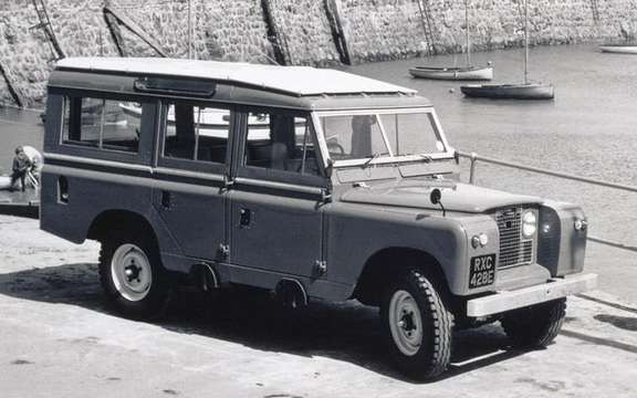 Land Rover celebrates its 60 years and still growing picture #3