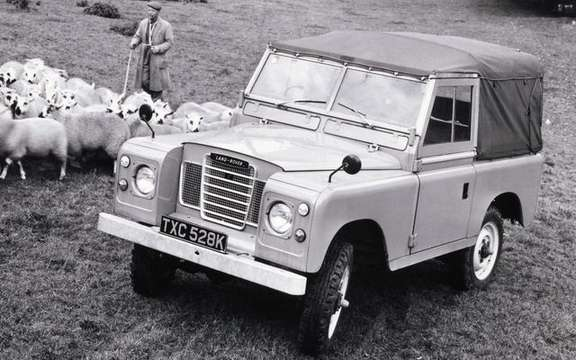 Land Rover celebrates its 60 years and still growing picture #5