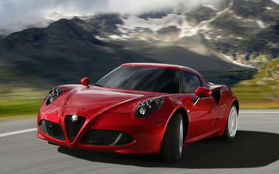First European deliveries of the Alfa Romeo 4C picture #2