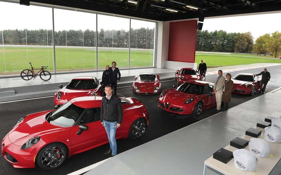 First European deliveries of the Alfa Romeo 4C picture #6