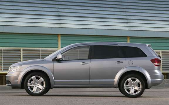 Dodge Journey 2009, the competition for the Mazda5 picture #2