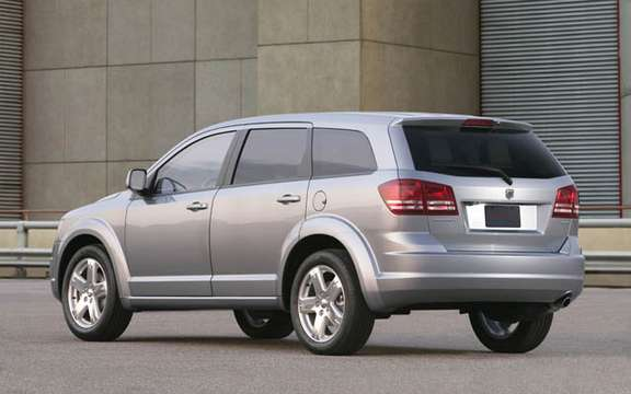 Dodge Journey 2009, the competition for the Mazda5 picture #4