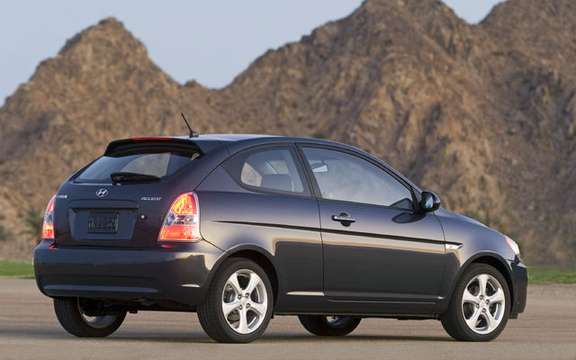 Hyundai Accent $ 9995, a national award picture #3