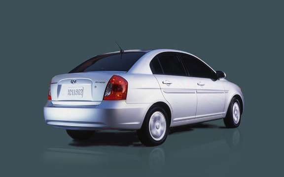 Hyundai Accent $ 9995, a national award picture #5