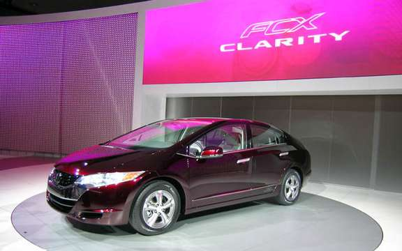 Roll has years without a drop of gasoline, here is the Honda FCX Clarity and Equinox Fuel Cell picture #3