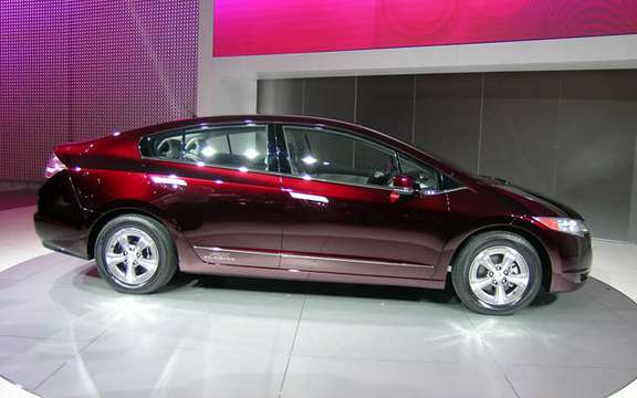Roll has years without a drop of gasoline, here is the Honda FCX Clarity and Equinox Fuel Cell picture #6