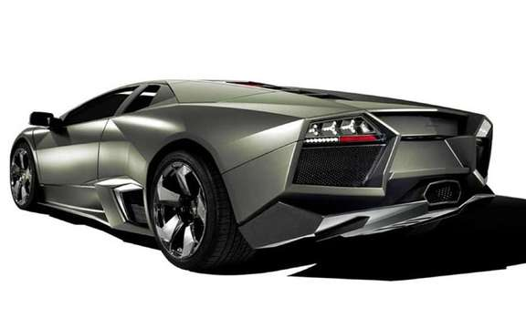 The answer to the Ferrari Enzo, the Lamborghini Reventon picture #2