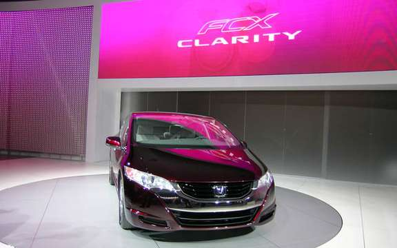 Roll has years without a drop of gasoline, here is the Honda FCX Clarity and Equinox Fuel Cell picture #8