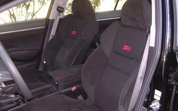 Honda Civic Si 2008 has four doors! picture #6