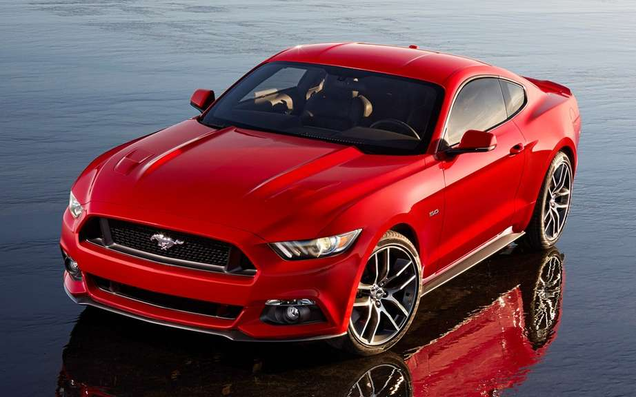 The new 2015 Ford Mustang is unveiled picture #10