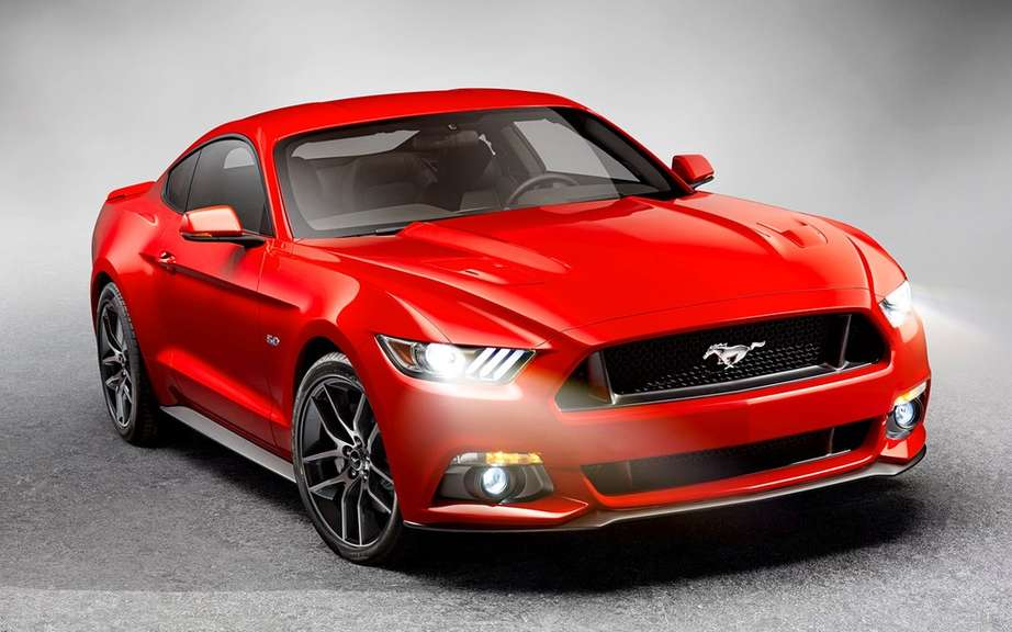 The new 2015 Ford Mustang is unveiled picture #13