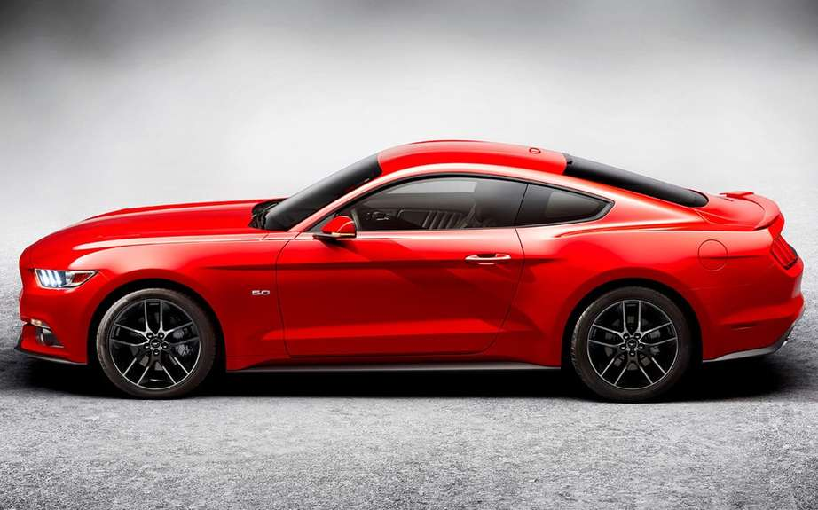 The new 2015 Ford Mustang is unveiled picture #15