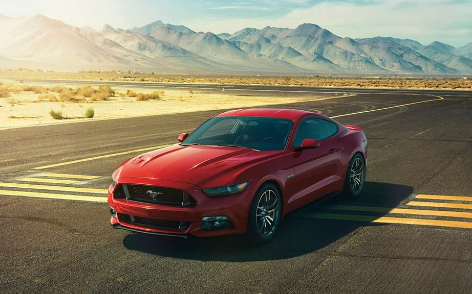 The new 2015 Ford Mustang is unveiled picture #16