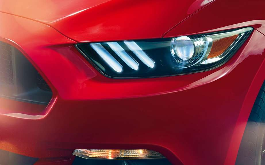 The new 2015 Ford Mustang is unveiled picture #20