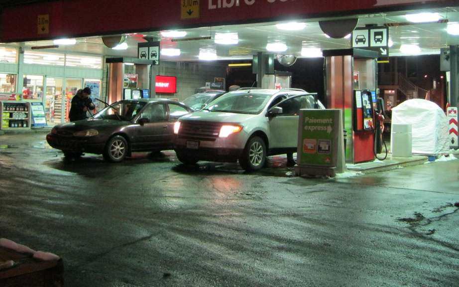 The price of gasoline has 1.40 liter normally Montreal