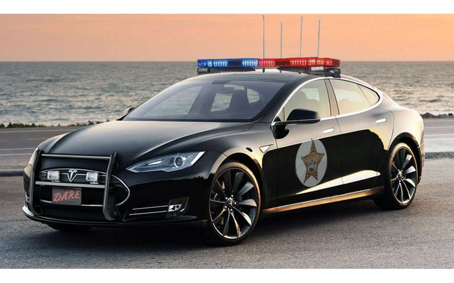 Tesla Model S to the police service picture #4